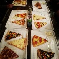 Foto tirada no(a) O Pedaço da Pizza por Paulinha C. em 7/24/2013