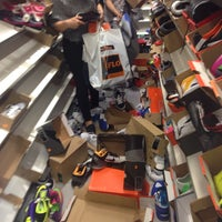 Foto diambil di Nike Factory Store oleh Cnr🎯💙💛 pada 3/22/2014