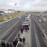1/24/2013 tarihinde Zafer sinan T.ziyaretçi tarafından Cevizlibağ Metrobüs Durağı'de çekilen fotoğraf