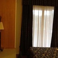 Foto scattata a Aparthotel England da Federico B. il 3/14/2013