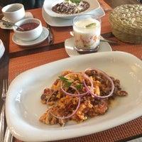 Foto diambil di Testal - Cocina Mexicana de Origen oleh Veleda O. pada 2/12/2017