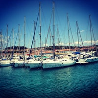6/16/2013 tarihinde 🇹🇷ziyaretçi tarafından Çeşme Marina'de çekilen fotoğraf