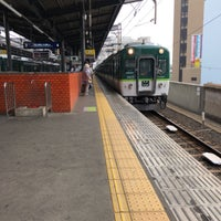 Photo taken at 守口市駅 3-4番ホーム by 10001 4. on 5/16/2018