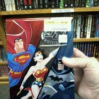 Foto tirada no(a) Half Price Books por Ross V. em 10/14/2012