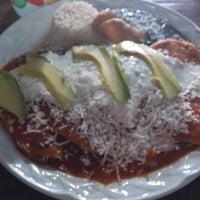 Foto tomada en El Nativo por Cithla C. el 12/4/2012