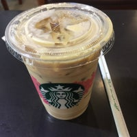 Foto tomada en Starbucks por irungit . el 3/31/2018