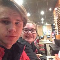 Das Foto wurde bei McDonald's von Ondřej P. am 5/14/2016 aufgenommen