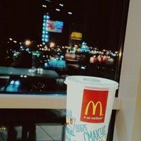Снимок сделан в McDonald's пользователем Anna Banana . 4/10/2016