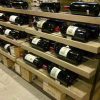 Photo prise au Hedonism Wines par AJ le7/4/2013
