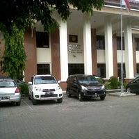 Photo taken at Pengadilan Negeri Semarang by Inu n. on 12/29/2012