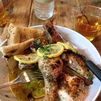 Das Foto wurde bei Gio's Chicken Amalfitano von Kwanza H. am 12/13/2012 aufgenommen