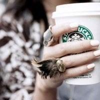 2/18/2013 tarihinde Niusha LVziyaretçi tarafından Starbucks'de çekilen fotoğraf