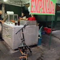 Foto tomada en Real Ilocos Empanada por Michael O. el 12/29/2014