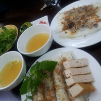 Photo taken at Bánh Cuốn Gia An by Rainie M on 8/16/2013