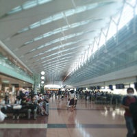 Photo taken at HND Terminal 2 by Masubuchi K. on 7/19/2013