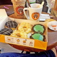 Photo taken at J.Co Donuts & Coffee by Julia P. on 2/13/2017