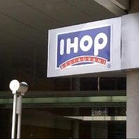 Photo taken at IHOP by Ástrið B. on 4/6/2013