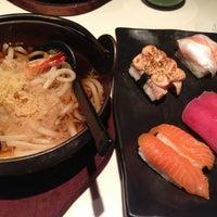 Foto tirada no(a) Sushi Tei por Anne Z. em 2/14/2013