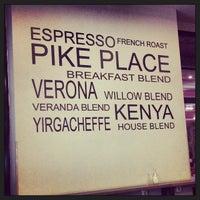 10/31/2013 tarihinde Nes Venusziyaretçi tarafından Starbucks'de çekilen fotoğraf