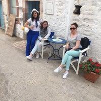 Photo taken at Tzivaeri Restaurant Patmos by Pınar Ö. on 5/13/2017