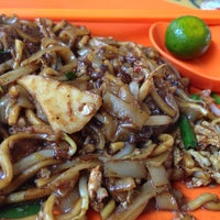 Photo taken at Day Night Fried Kway Teow by Matthew S. on 10/31/2013