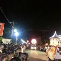 Photo taken at Mihindu perahera by Nadee H. on 7/13/2013