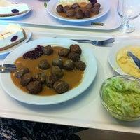 Photo prise au IKEA restaurace par Valentina le5/17/2013
