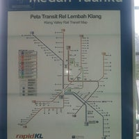 Photo taken at Central Walkway KL Monorail by Saritaa G. on 10/18/2013