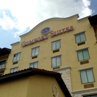 Photo taken at Comfort Suites Alamo/River Walk by Paul D. on 6/11/2013