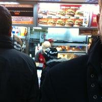 12/26/2012 tarihinde ErMaN Y.ziyaretçi tarafından Burger King'de çekilen fotoğraf