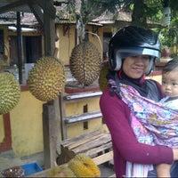 Photo taken at Sentra Durian by Arif Joko N. on 3/12/2013