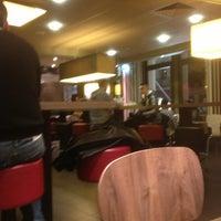 Photo prise au Restaurant Le 17 par DiYaNSu le2/2/2013