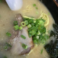 Photo taken at 博多ラーメン 長浜や 笹塚店 by NProject on 7/8/2016