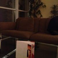 Снимок сделан в SKY Bar & Lounge пользователем Rashad E. 2/23/2013