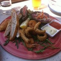 Foto scattata a Waterfront Seafood-Bar-Grill da Marina B. il 1/21/2013