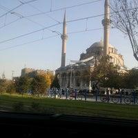 12/2/2012 tarihinde Ayten B.ziyaretçi tarafından Cumhuriyet Meydanı'de çekilen fotoğraf