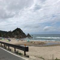 Photo taken at 東浜海水浴場 by ゆきだるま on 8/18/2017