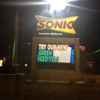 Photo taken at Sonic Drive-In by Natalie 🇵🇷 on 4/13/2013