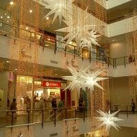 Foto tirada no(a) Miramar Shopping por Mineia M. em 12/16/2012