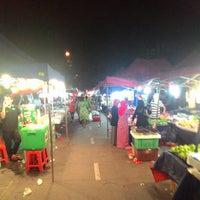 Photo taken at Pasar Malam Sg Buloh by alif c. on 12/1/2014