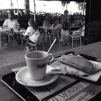 Das Foto wurde bei GLAMER Food & Drinks co. von Jordi S. am 6/14/2014 aufgenommen