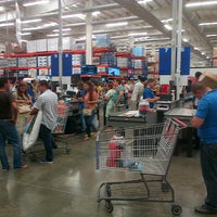 Photo taken at PriceSmart Barranquilla by Henry R. on 12/24/2012