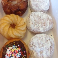 Photo taken at Dunkin Donuts by Monica . on 8/9/2014