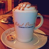 Photo taken at Robert's Coffee by Raisa Ç. on 11/18/2014