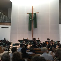 Photo taken at First Presbyterian Church of Santa Monica by Хельга Ф. on 11/12/2016