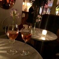 Foto tirada no(a) Air's Champagne Parlor por Verônica L. em 9/13/2018