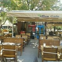 รูปภาพถ่ายที่ Tilbe Cafe โดย süleyman b. เมื่อ 9/2/2013