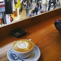 10/2/2015 tarihinde Tuğçe U.ziyaretçi tarafından Montag Coffee Roasters'de çekilen fotoğraf