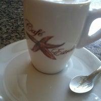 Foto tirada no(a) Café Estrela por Tais N. em 6/27/2013