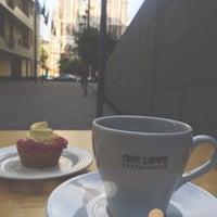 Снимок сделан в ONE LOVE espresso bar пользователем Эмилия А. 6/9/2015